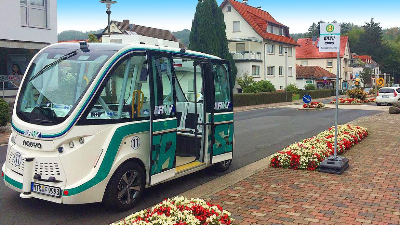 Erstmals auf öffentlicher Straße – Autonomes EASY-Shuttle unterwegs
